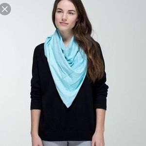 NWT Lululemon Blue Throw Me Over Scarf 🧣 OS